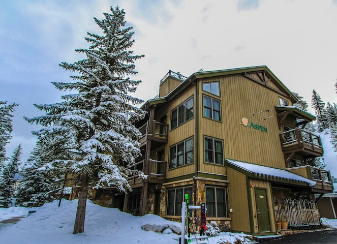 Streamside at Vail Aspen Resort