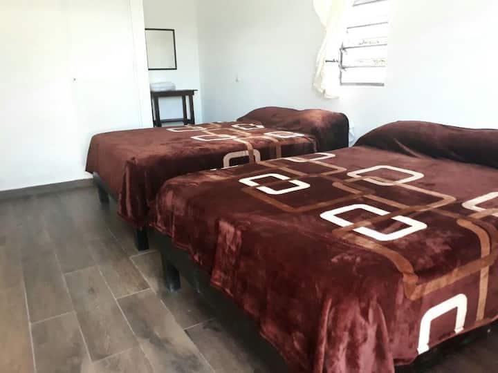 Hotel Villa Carmita / HABITACIÓN PARA 4 PERSONAS