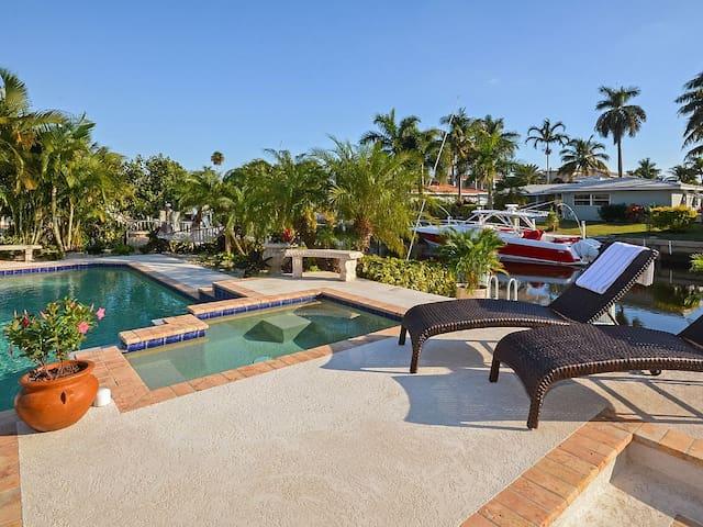 Amazing Waterfront Villa with Heated Pool and Spa - Boca Raton - Villa