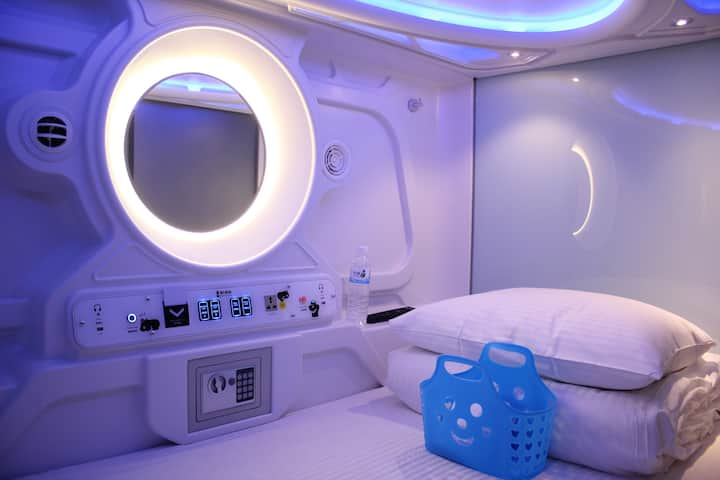 太空艙膠囊旅館(男女混合艙)