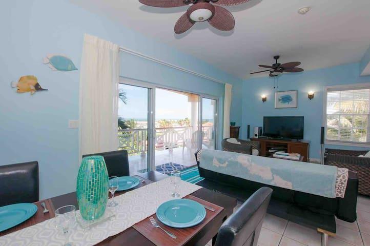 Amazing ocean view condo with large balcony