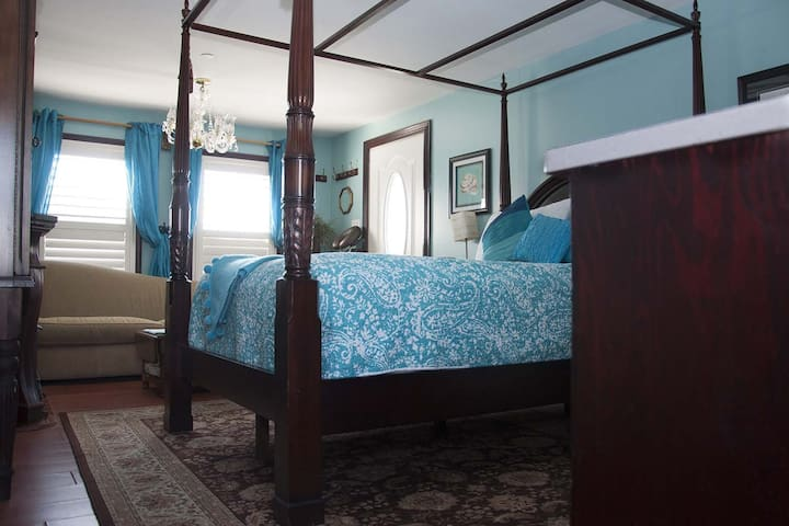 Ocean City Mansion - Miss Mckennas Room