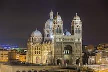 La cathédrale de la Major de nuit