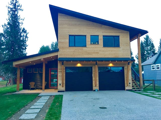 The Cedar Haus