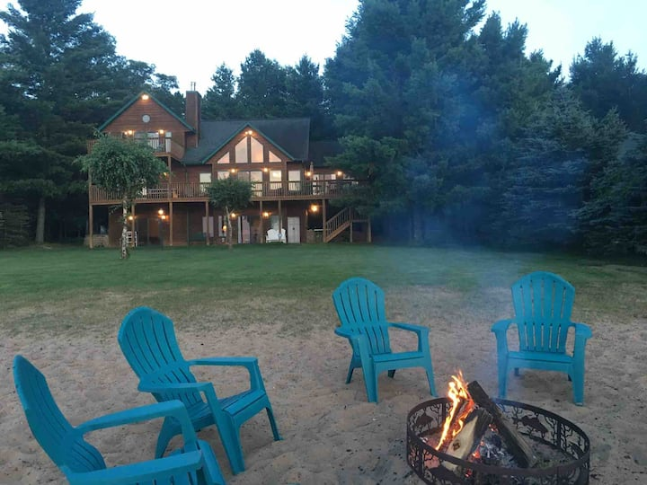 Beautiful Cabin-Sandy Beach-Sunset Views-Game Room