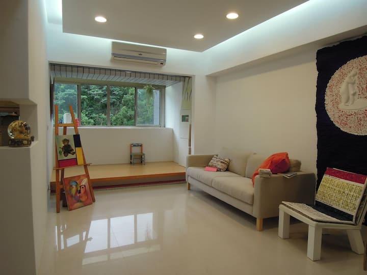 Sunny friendly community apartment