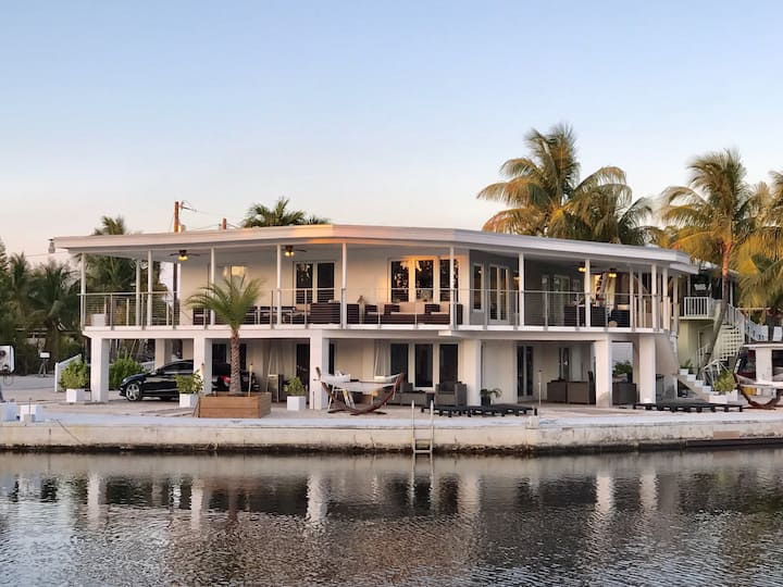 Key Largo Waterfront Entire Bottom Floor with Dock