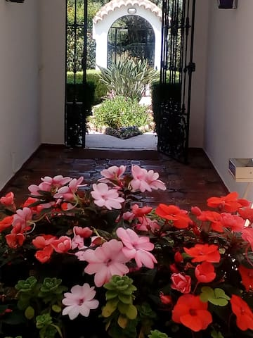 Entrance Courtyard to the apartment block