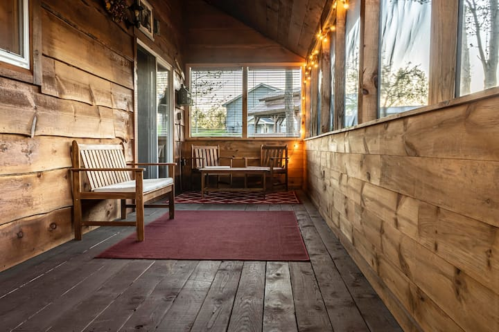 Bear Den Cabin at East Branch Resort