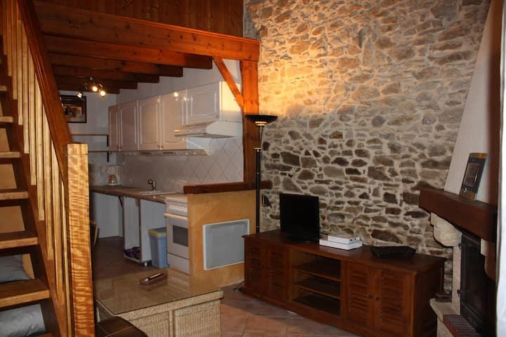 Charmant studio dans grange rénovée