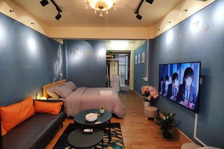 牌坊街中山路交界独立门户自用车位配有55寸大电视和烘干机,全天换气和房间紫外线消毒
