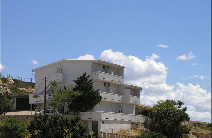 Apartments Bingula, Ap. Pag A3 - Metajna