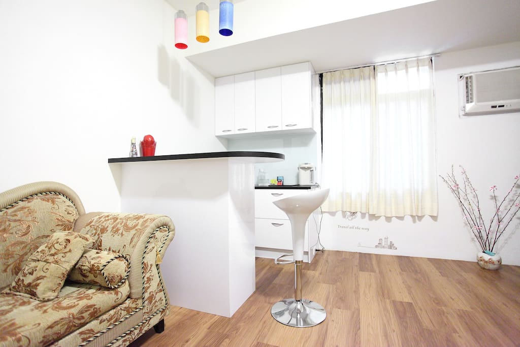 modern and fully equipped kitchen to cook nice dishes.設備齊全的現代廚房,您可大展廚藝!