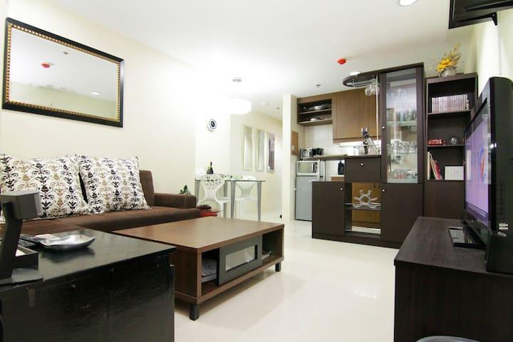 High-end condo at a great price! - Quezon City - Apartment