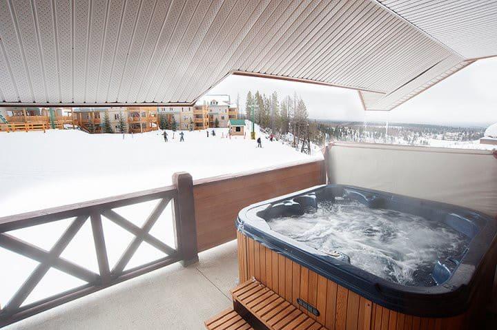 Luxury Escape   Ski-in Ski-out   Private Hot Tub