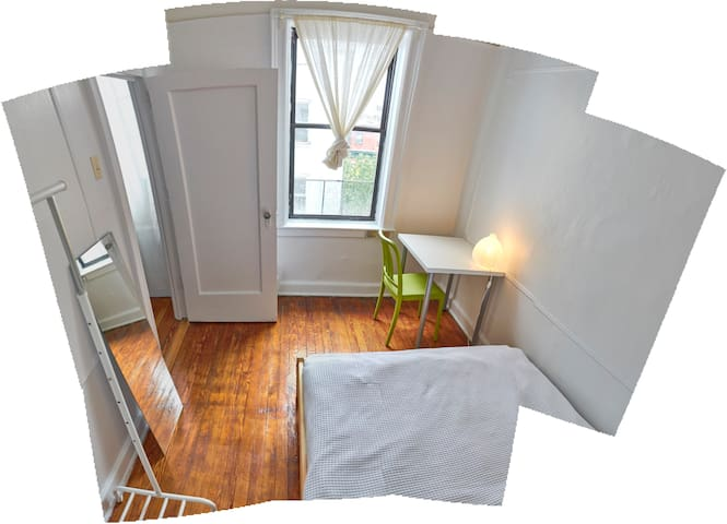 Bright, clean room in great location