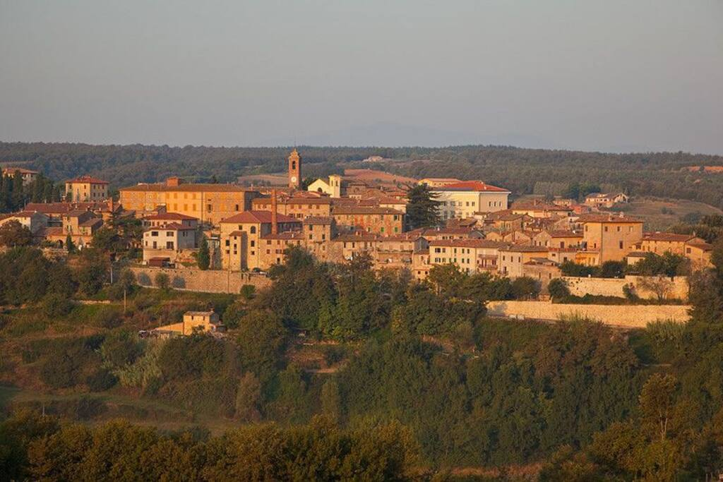 Panoramic view of Piegaro (photo: Tom Bean)