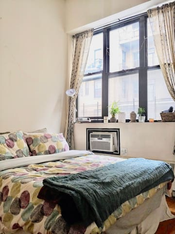 Stunning bedroom in LOFT apartment nr Prospect PK!