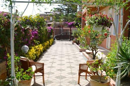 B&B Villa a 2 passi dal mare a 5 minuti dai Templi - Agrigento - Bed & Breakfast