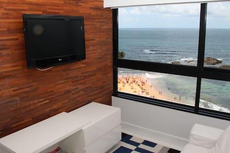 lovely 1 bedroom, OCEAN FRONT