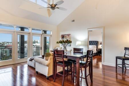 Penthouse Heart of Downtown Charleston Bright/Airy - Charleston - Departamento