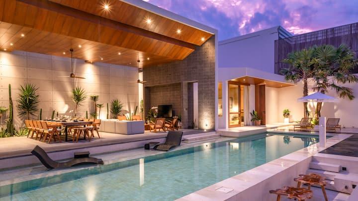 Amazing 6  bedrooms villa in Central Berawa!!!