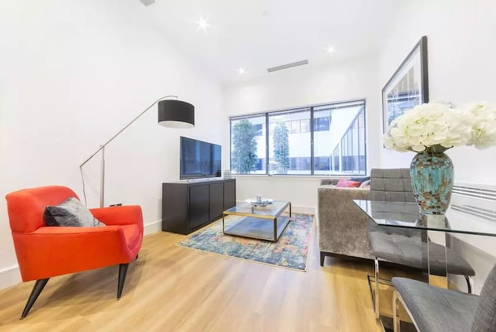 1 Bedroom Luxury Apartment, Fully Furnished