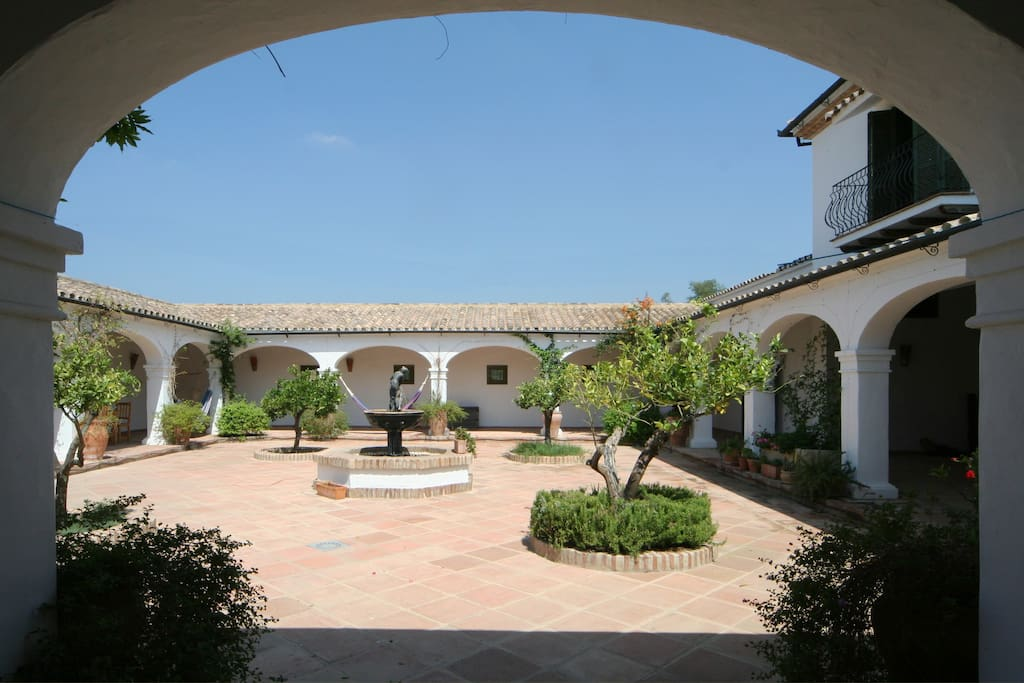 Very old picture of the Courtyard taken 9 years ago!