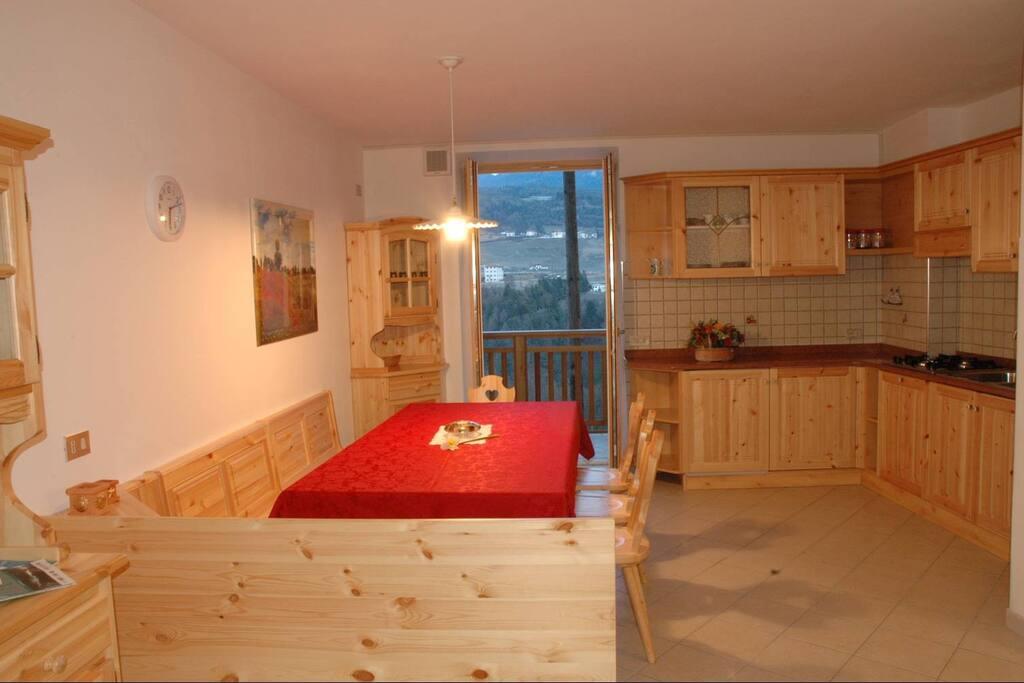cucina-soggiorno appartamento trilocale