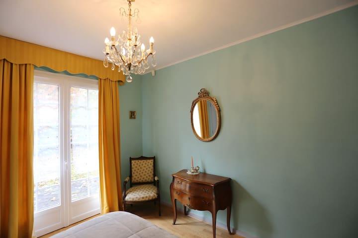chambre 2 vue sur jardin