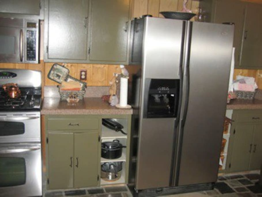 Updated appliances in Kitchen with gas stove