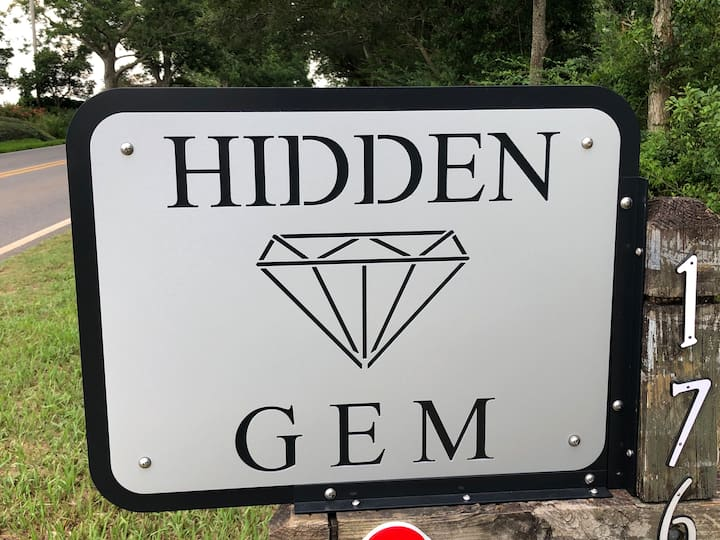 Hidden GEM-Perfect for LG Groups; Private 6 Acres