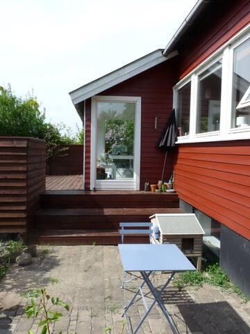 Lej et hus i naturskønt område ved Roskilde Fjord - Frederiksværk - Rumah