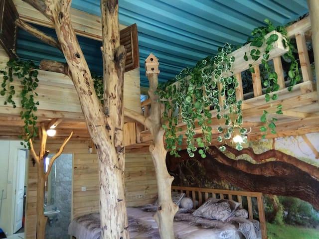 Treehouse villa Putra Tunggal Lembang