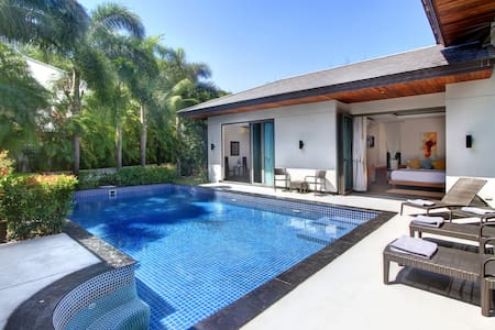 Luxury 3 BR Bang Tao Beach Villa