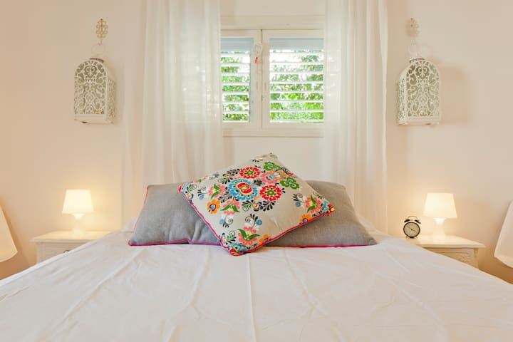 BedRoom: Double size bed. with a king-koil mattress.