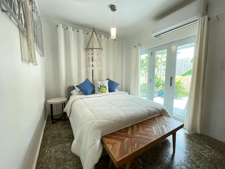 Charming Intimate Private Secure Suite