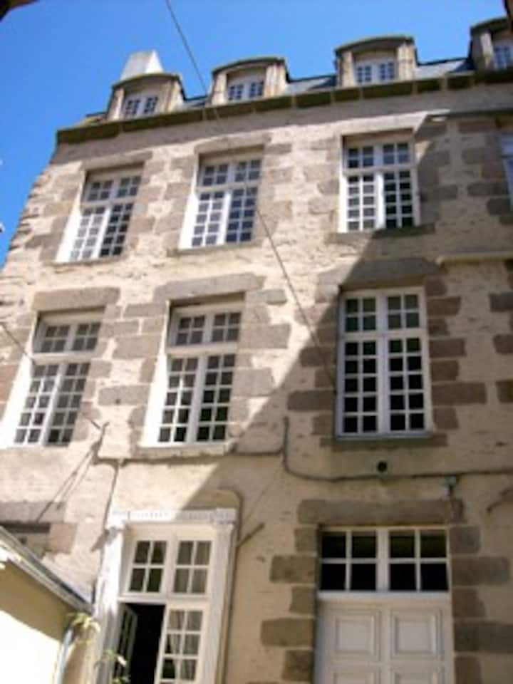 Studio Old Town Saint Malo (17th c)