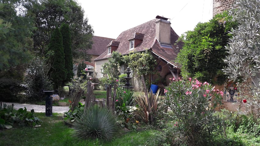 Slow travellers: Experience a French cottage!