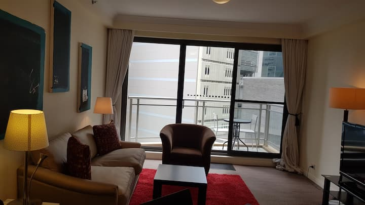 Hyde Park One Bedroom with balcony, gym and pool