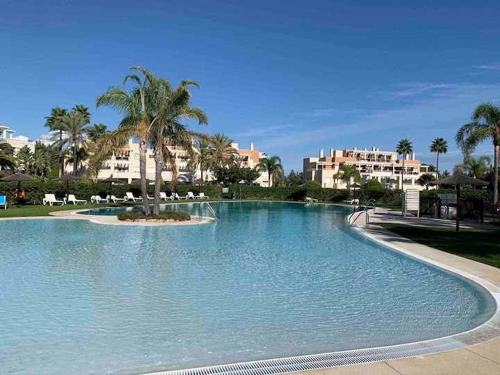 Luxury Dunas Green Apartment, Estepona