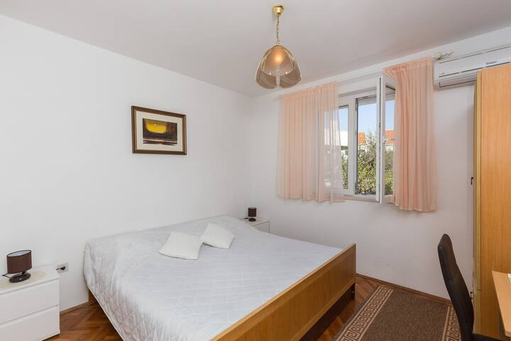 GH Vulic - Double room with shared bathroom