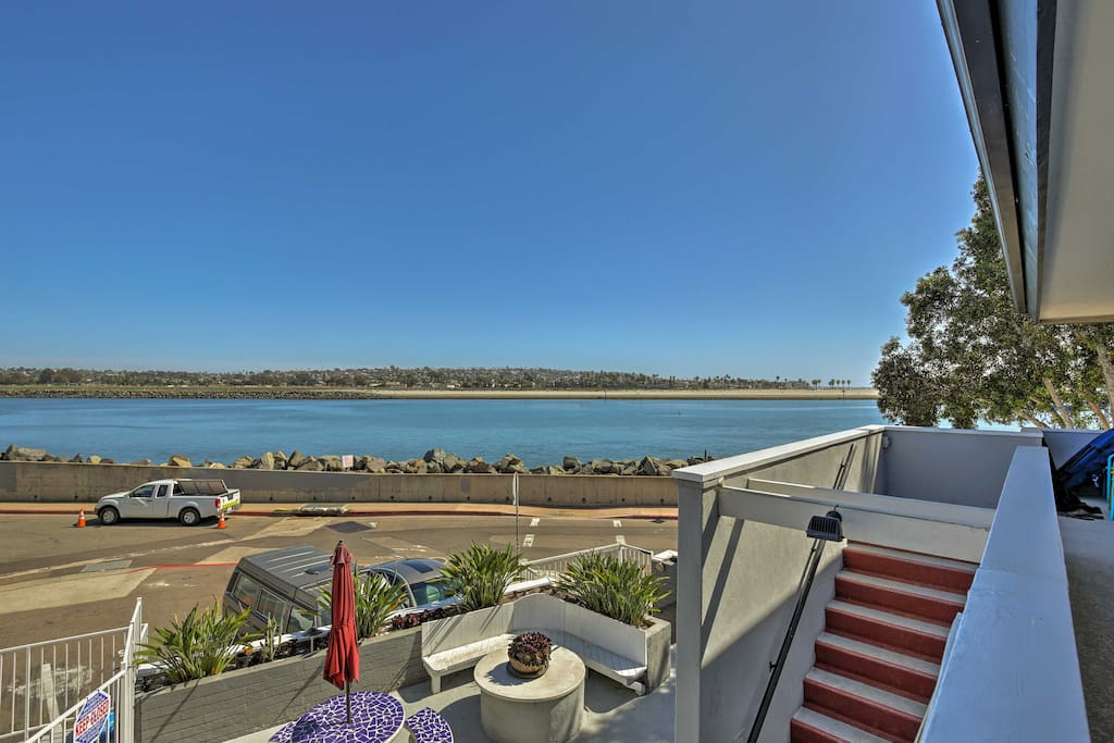 With an excellent location, this condo offers serene water views!