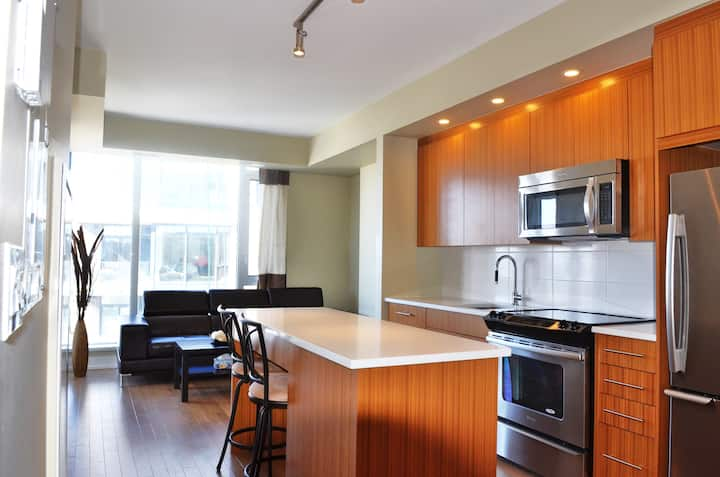 Luxury New Loft; 5 mins to Downtown
