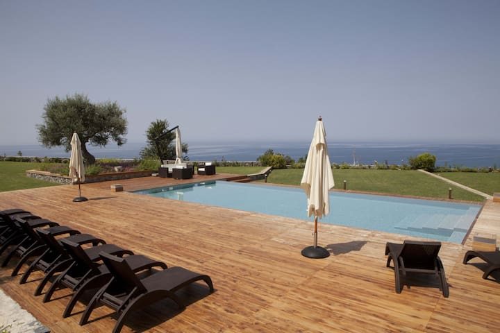 Luxury Villa Rental in Calabria - Fuscaldo - Huis