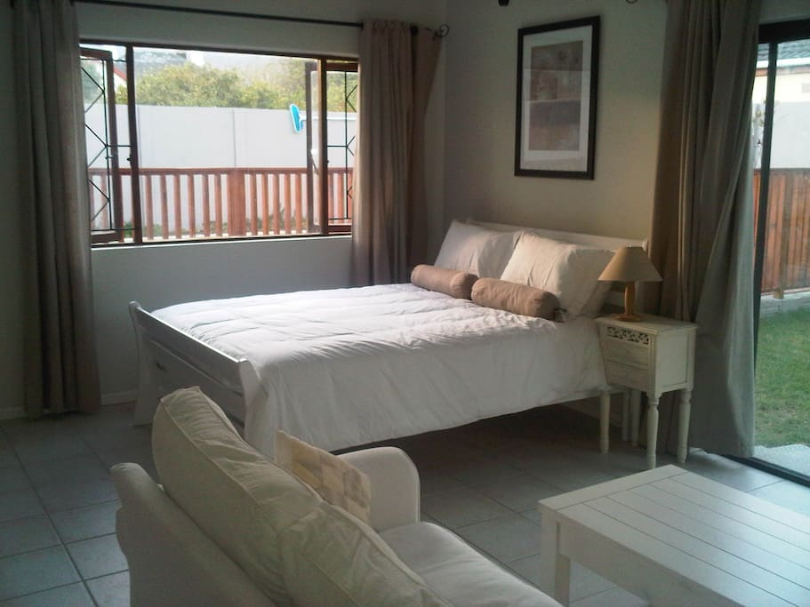 Bright airy accommodation with luxury comfort bed