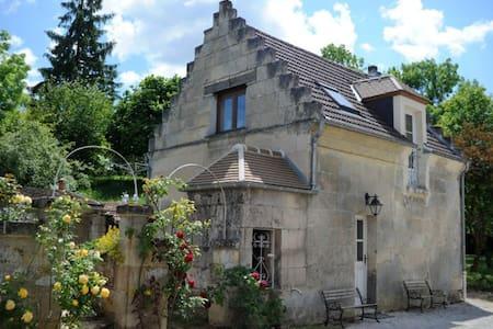 Les Hautes Pierres - Jaulzy - Huis