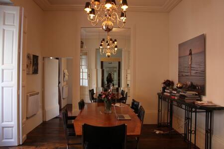 Charming Apartment Steps from Prado