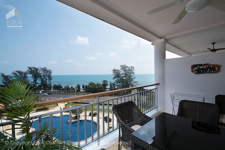 Overlooking Mae Phim Beach - A61 Seaview Condo