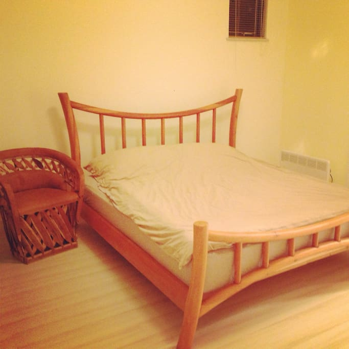 Muji's style,simple,comfortable and bright bedroom